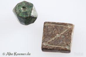 Zwei byzantinische Bronzegewichte