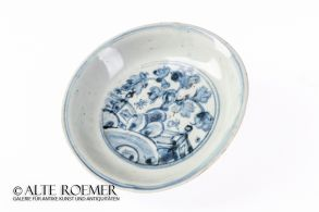 Ming plate from Binh Thuan wreck - ex Christie's