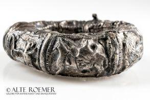 Römischen Armreif mit Jagdszene kaufen