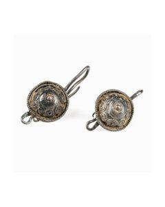 Römische Silberohrringe mit Schild kaufen