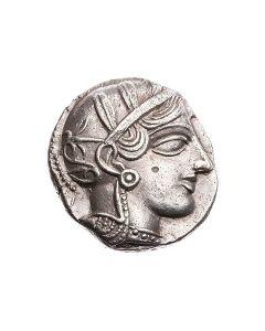 Attische Tetradrachme mit behelmter Athena und Eule